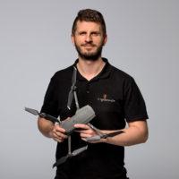 Karol - operator dronów